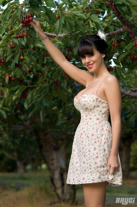 Брайси в вишневом саду. Фото 4