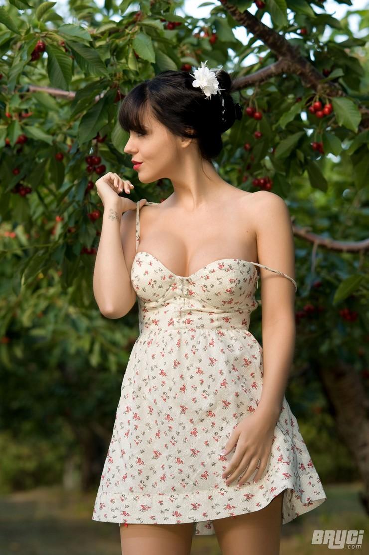 Брайси в вишневом саду. Фото 13
